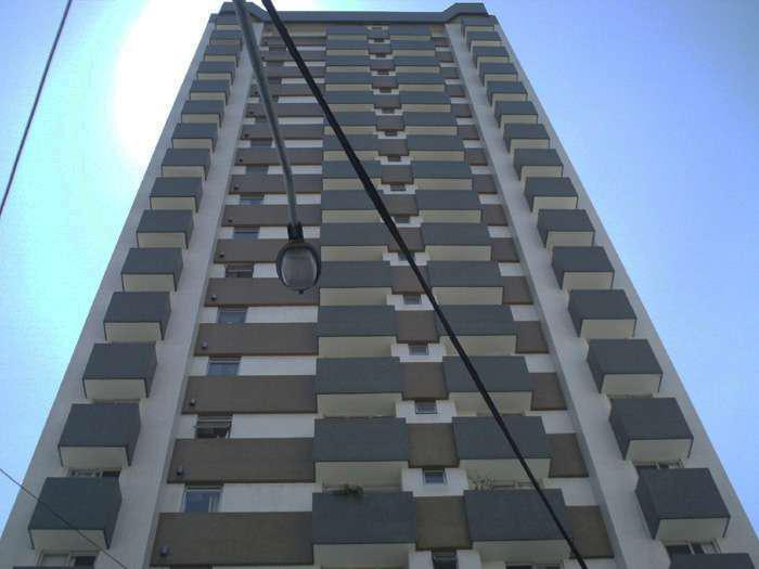 Apartamento 02 Dorms. c/ Sacada - Centro