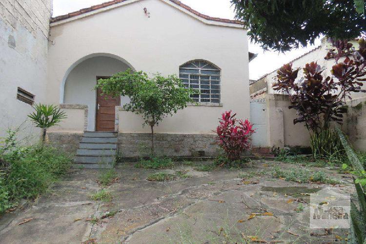 Casa Comercial, Renascença, 2 Quartos, 1 Vaga