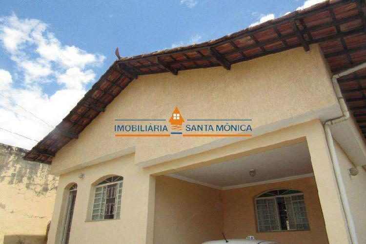 Casa, Santa Mônica, 3 Quartos, 4 Vagas, 0 Suíte