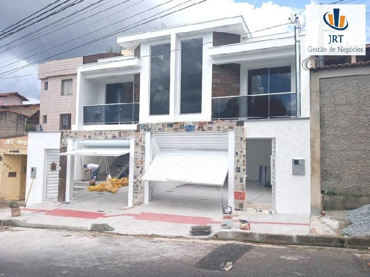 Casa de 164 m², 03 quartos, suíte, 02 vagas, bairro