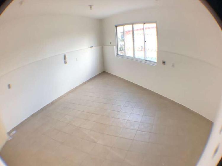 Sala/Conjunto para aluguel tem 40 metros quadrados em Porto