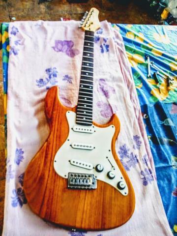 V/T baixo ou violão