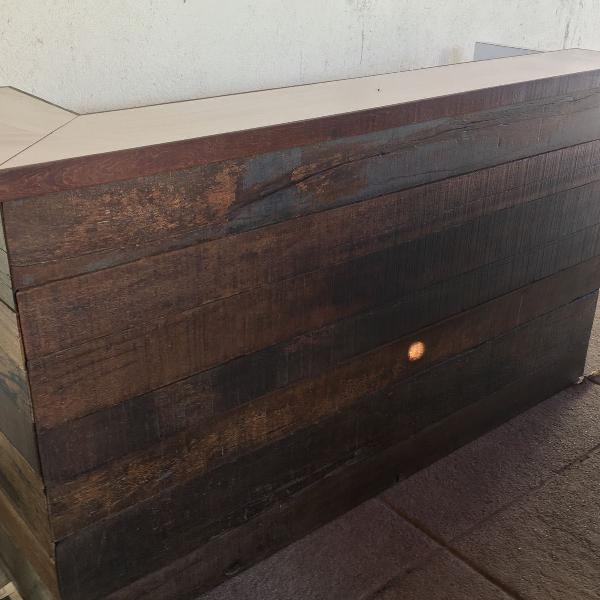balcão para lojas em madeira demolição
