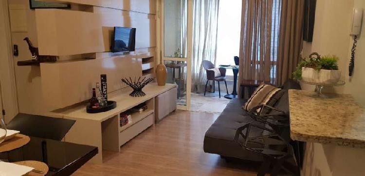 Apartamento com 2 dormitórios + suíte + 2 vagas de garagem