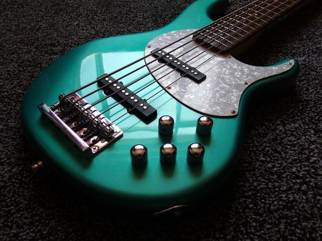 Baixo Tagima Fusion 5 Jazz Bass