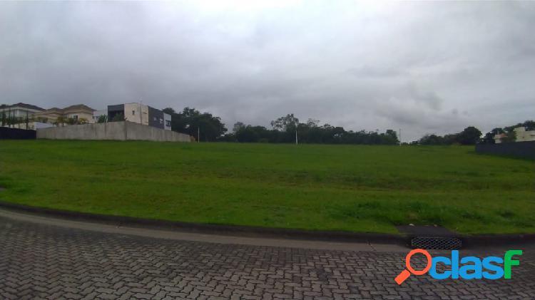 OPORTUNIDADE - Terreno com 760m² - leve aclive -