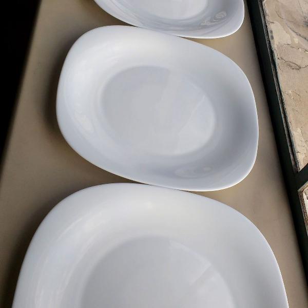 4 pratos rasos de louça opaline