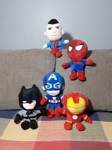 Bonecos Marvel e DC Comics