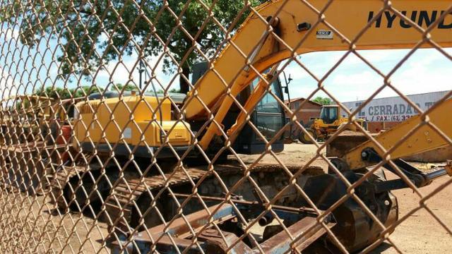 Escavadeira hidráulica Hiunday mod 2010
