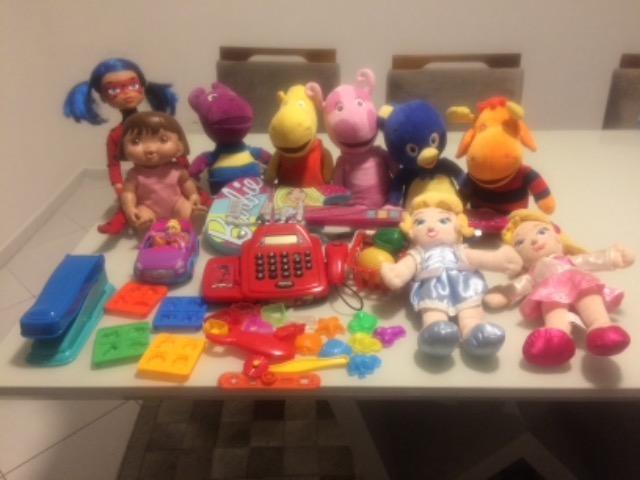 Lote de Brinquedos em excelente estado de conservação !!!!