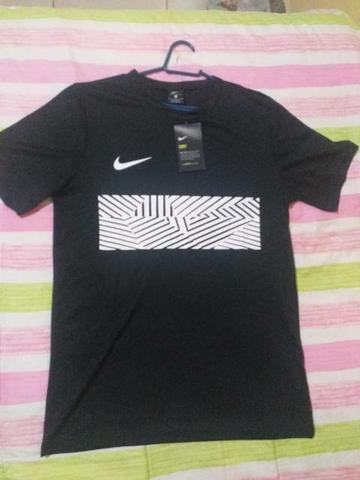 Vendo Camisa Nike Original- Tamanho M