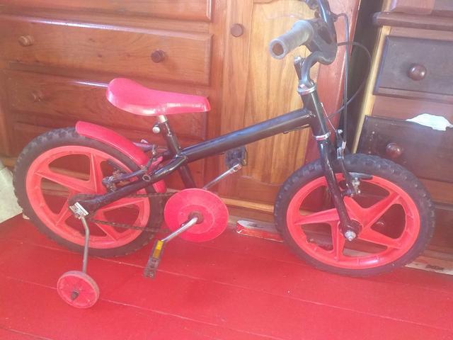 Vendo bicicleta infantil.