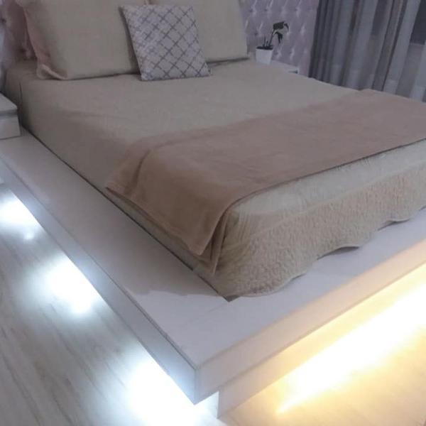 cama de casal em mdf com led e criados mudos
