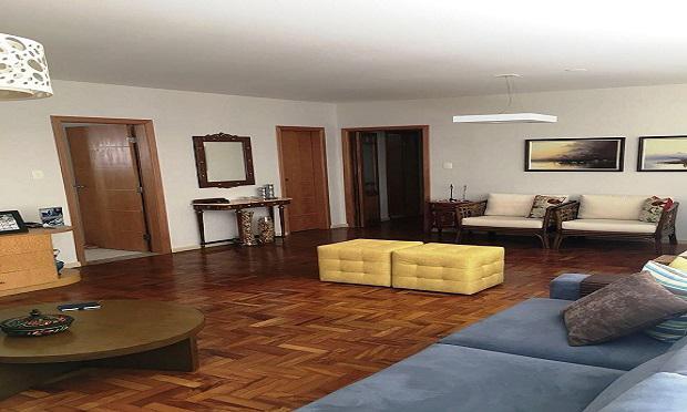 Apartamento para venda possui 161 metros quadrados com 3