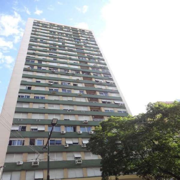 Lindíssimo Apartamento 02 Dormitórios, semimobiliado, de