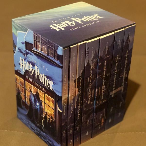 box coleção completa com todos os livros do harry potter