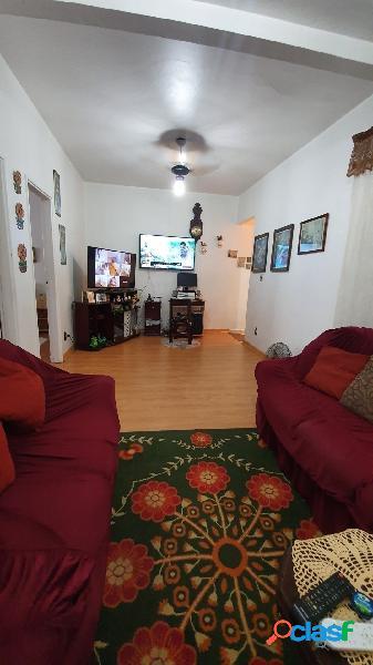 Apartamento 2 dormitórios no Centro de São Vicente