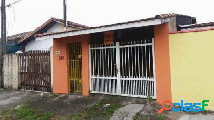 Casa geminada próximo ao centro de Itanhaém a 900 metros