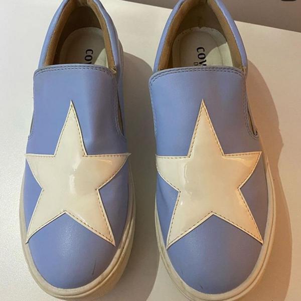 tênis flatform azul com estrela branca