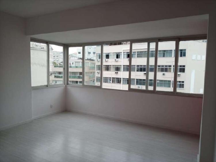 Lindo 2 quartos c/ vaga de garagem em Botafogo