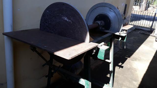 Lixadeira de bancada disco 600mm