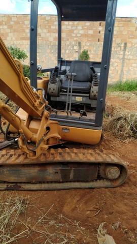 Mini escavadeira CASE 43.000,00