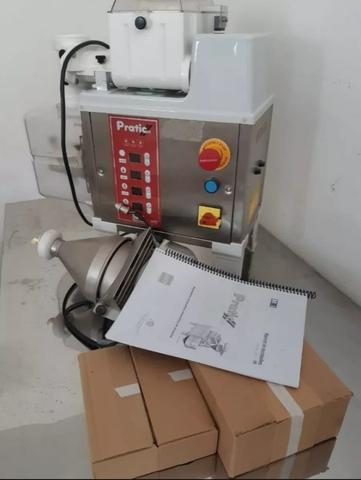 Modeladora De Salgados 2r + Masseira Td13 - Fabricante Mci