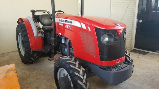Trator massey Ferguson 4275 compacto