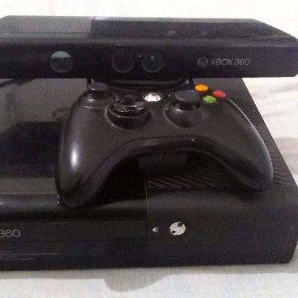 console xbox 360 com kinect, controle e jogos