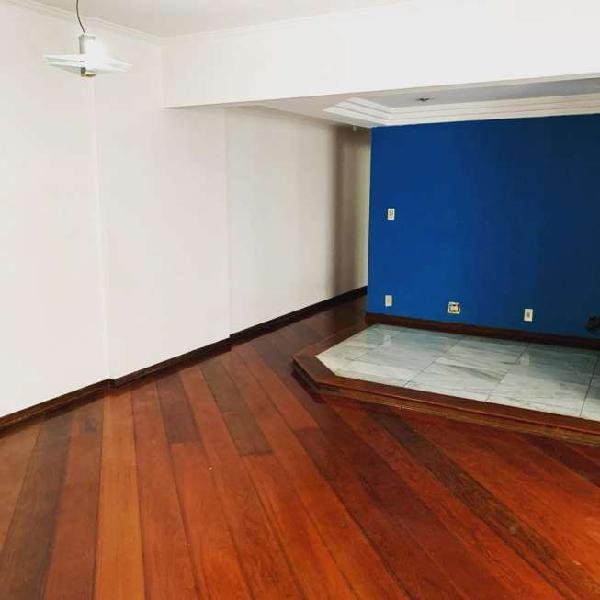 Apartamento de 2 dormitórios com dependência revertida na