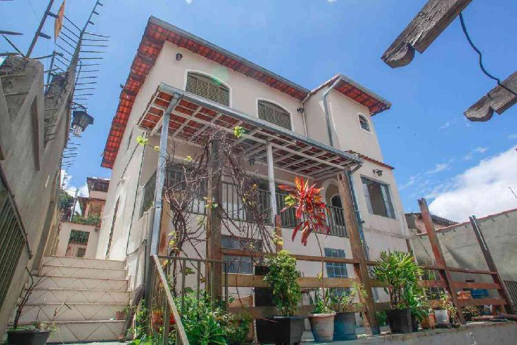 Casa Comercial, Carlos Prates, 5 Quartos, 2 Vagas, 1 Suíte