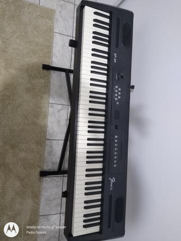 Piano, Violão e contra Baixo