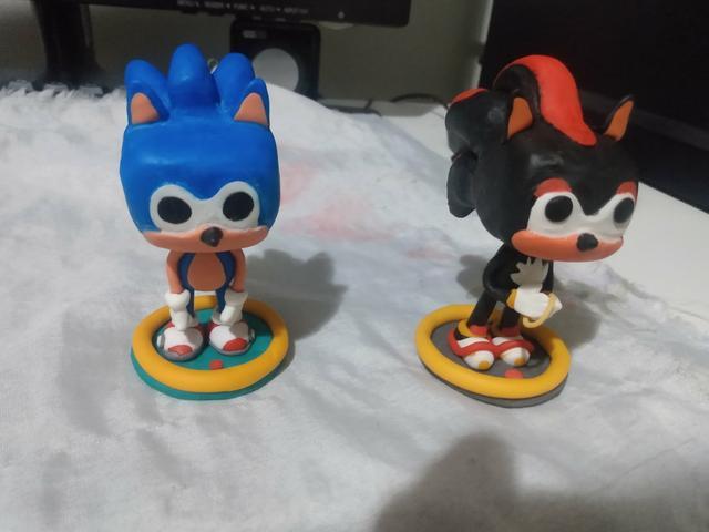 Vendo mini funko pop Sonic e shadow