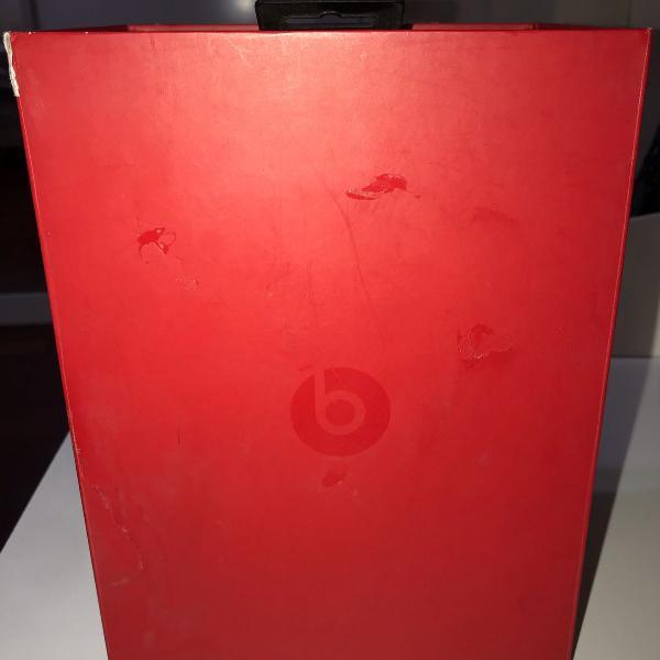 caixa para fone beats e acessórios