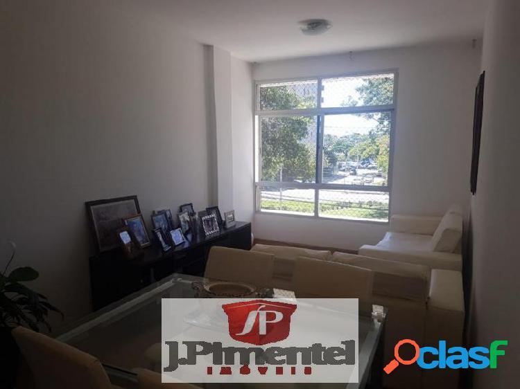 Apartamento com 3 dorms em Vitória - Praia do Canto por 500