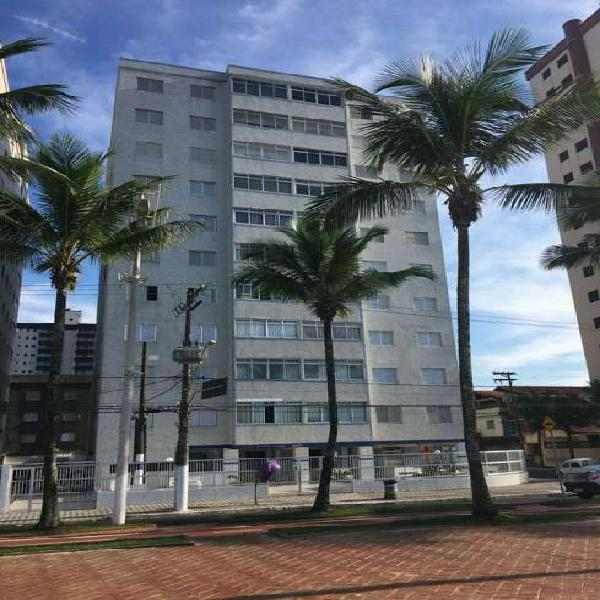 Apartamento prédio de frente para o Mar, excelente