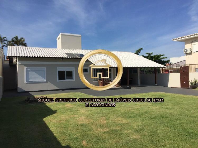Casa MOBILIADA térrea em Condomínio Fechado com 03