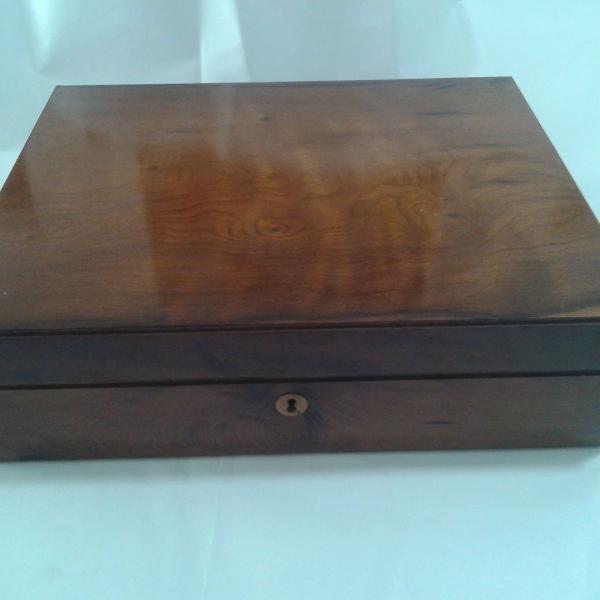 caixa / baú de madeira antigo - porta treco
