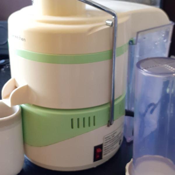 master suco fun kitchen 110v . extrator de suco