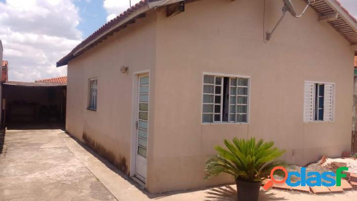 Casa em Artur Nogueira terreno inteiro aceita financiamento