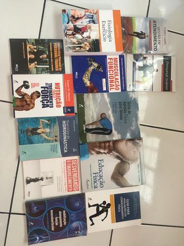 Coleção de livros, para estudantes de educação física,