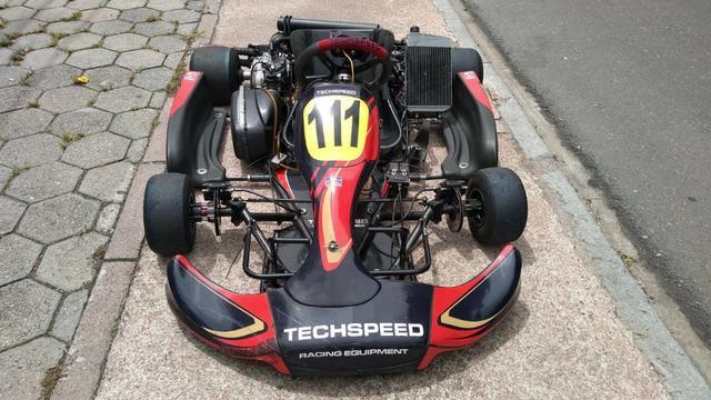Kart Techspeed ano 2016 com motor