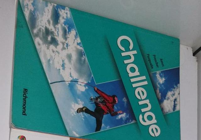 Livro de inglês(challenge) para ensino médio, usado