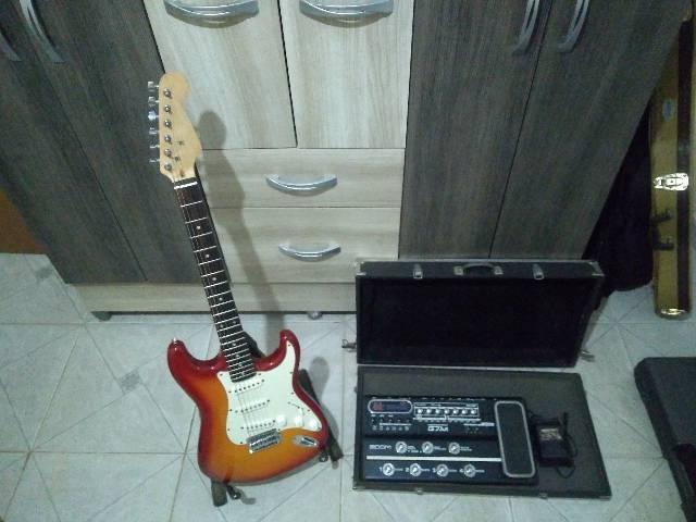 Strato de luthier e Zoom G7.1ut com fonte original e case