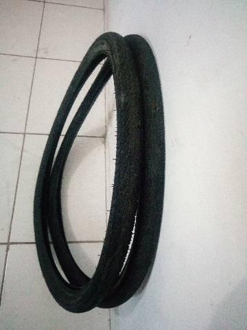 Par de pneus aro 29 para asfalto