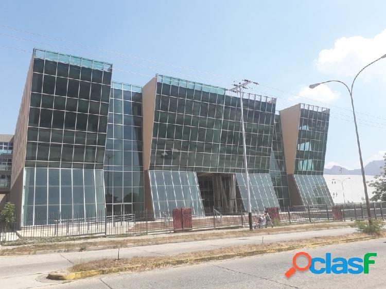 1.700 m² Local en alquiler en el C.C. Fin de Siglo, San