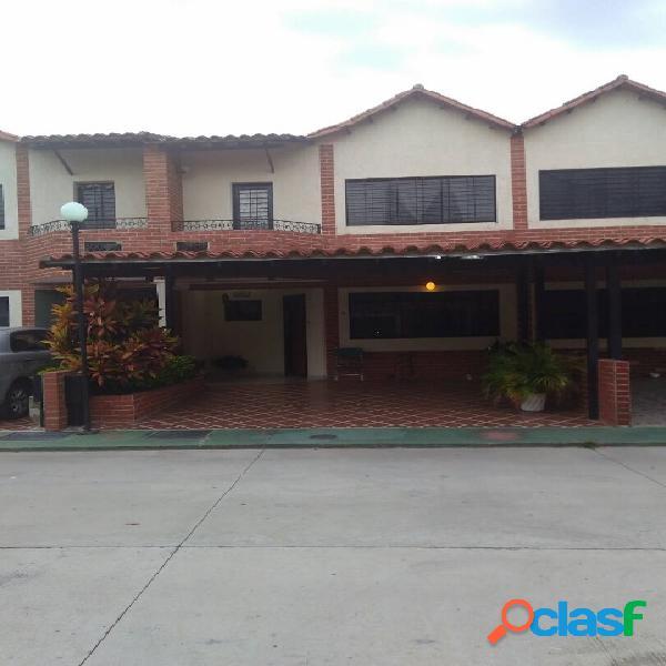 103 M2. Town House en Venta en Urb. La Fuente de San Diego