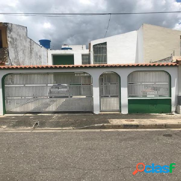 148 M2. Casa en Venta en La Esmeralda