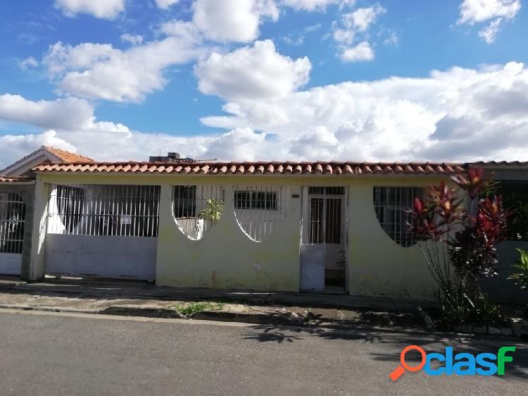 153m2, Casa en Venta en La Urb. Las Quintas de Naguanagua