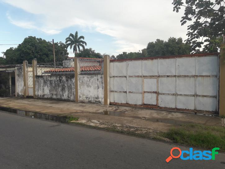1609 M2. Casa con potencial Comercial en venta Tocuyito